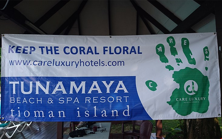 'keep the coral floral'